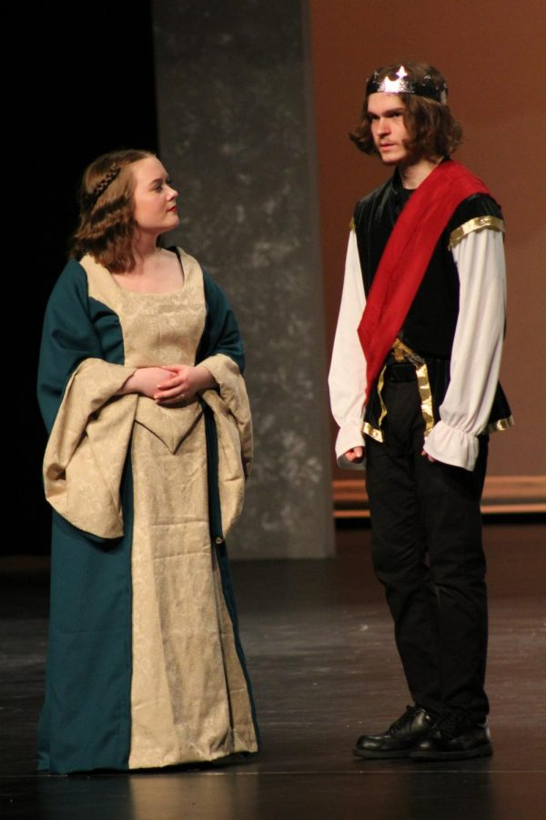 Xavier+Medina+%28right%29+and+Abby+Power+%28left%29+during+the+opening+night+showing+of+Shakespeare%27s+%22Macbeth%22+